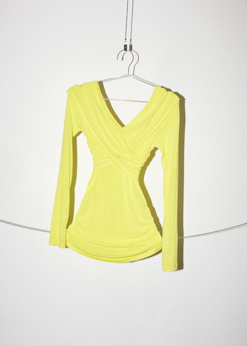 WRAP OFF-SHOULDER SHIRRING T yellow