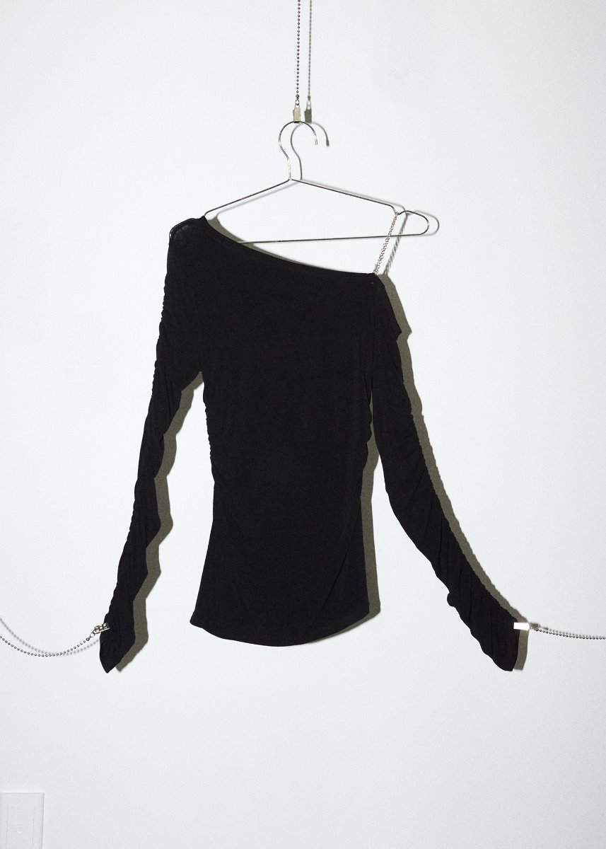 ONE SHOULDER CHAIN T black